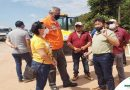 PREFEITO E COMITIVA JUNTAMENTE COM O SECRETÁRIO DE TRANSPORTE DO ESTADO VISTORIAM AS OBRAS DE PAVIMENTAÇÃO DA PA 423